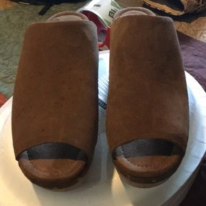 Brand new clogs never worn ..